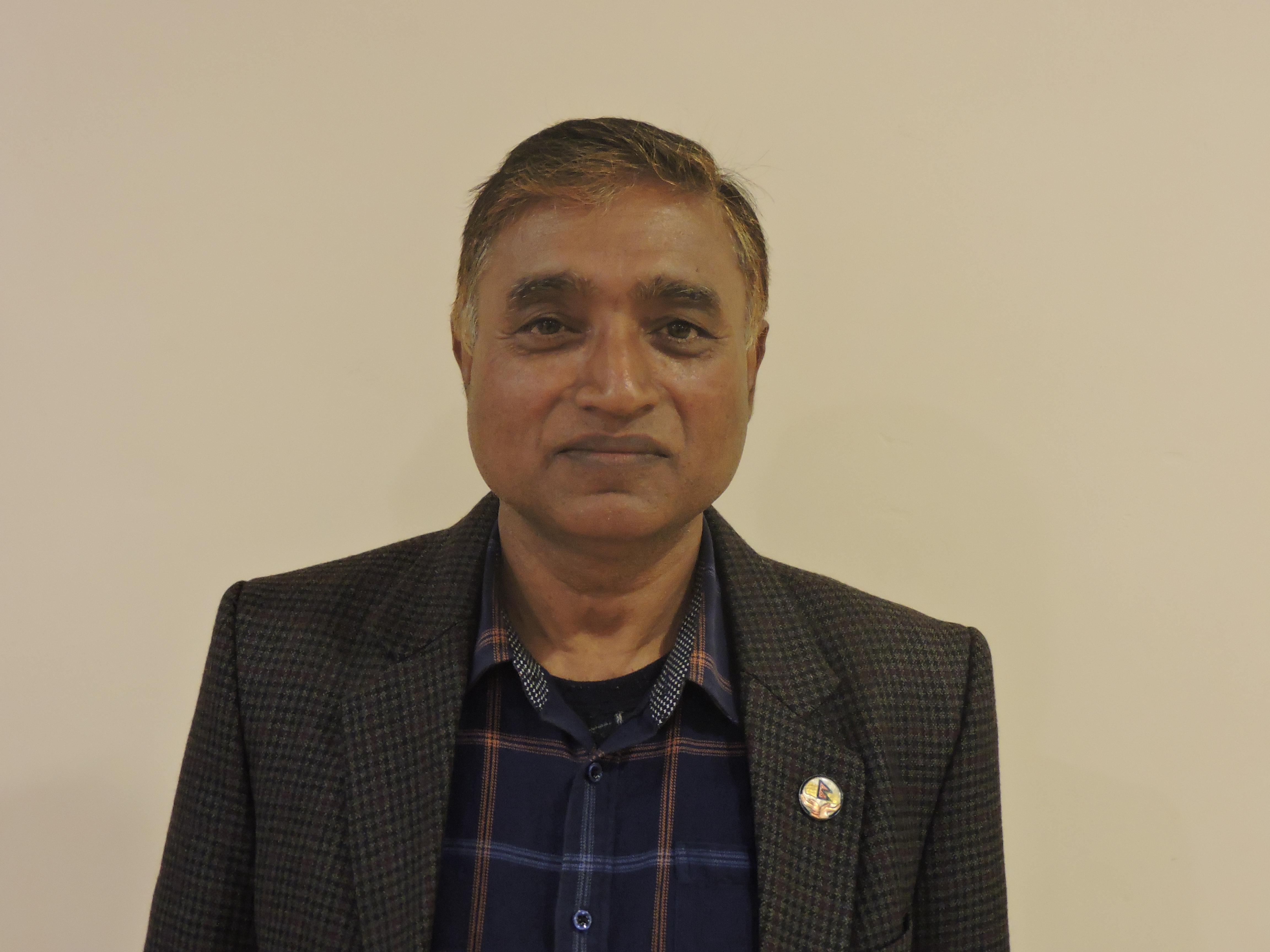 (डॉ. शिवजी यादव संघीय समाजवादी फोरम नेपाल के केन्द्रीय सदस्य तथा सभासद हैं