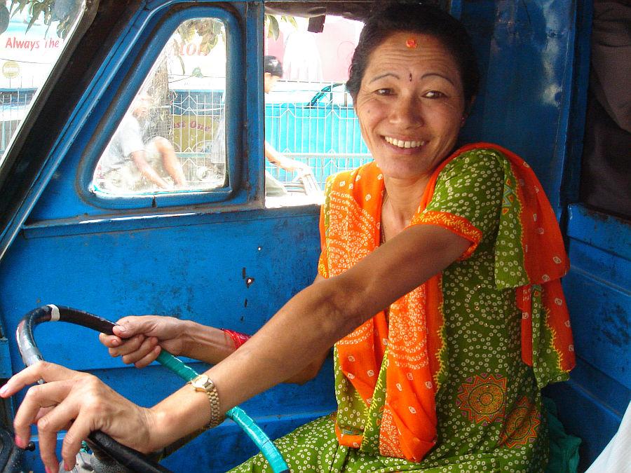 Kathmandu_tuk_tuk_driver_women